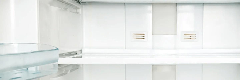 Frigider urât mirositor? Cum cureți frigiderul pentru a-l face să miroasă frumos